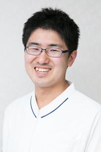 歯科医師:岡村